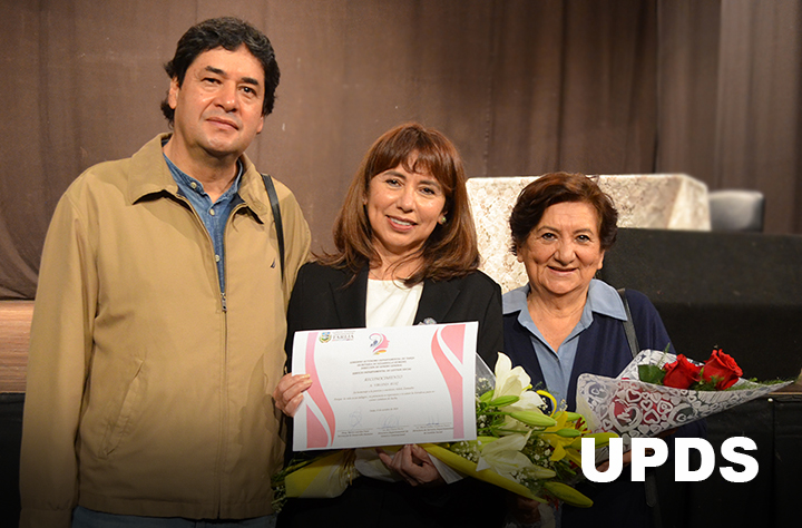 """Rectora Regional de la UPDS-TARIJA es reconocida como """"Mujer Destacada"""""""
